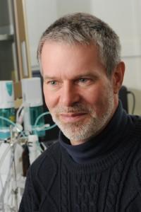 Dr. Robert Hazen Headshot - Read about biominerals analyzed by Dr. Hazen