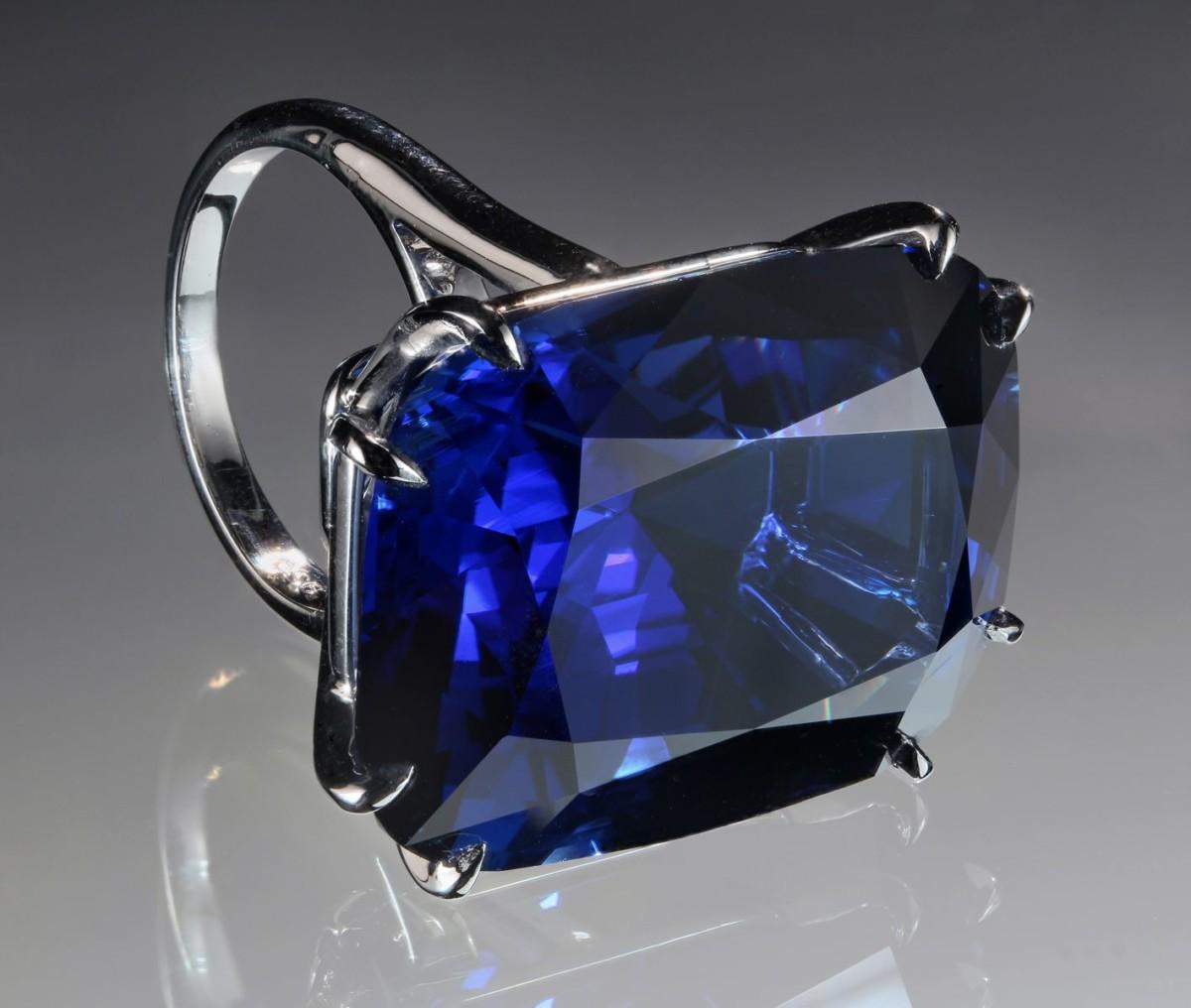 gem-blue-dragon-75-carat-sapphire-harold-moritz