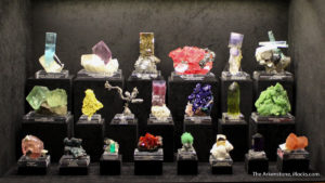 Exhibit case in the Tucson Gem and Mineral Shows mineral competition.
