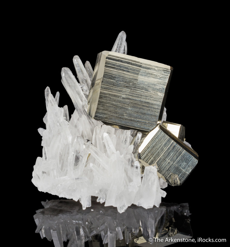 Peru on quartz from Peru bears strong differences when compared to gold specimens.