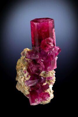 red beryl utah bixbite specimen
