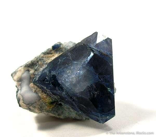 This mineral crystals California represents rare form hexagonal