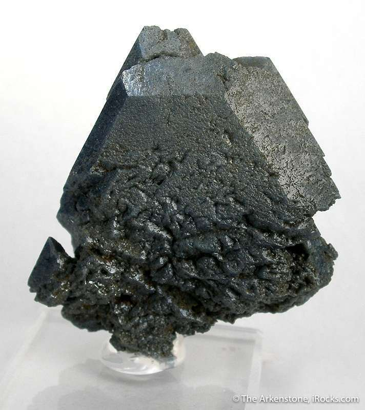 This important benitoite largest complete crystals species It complete