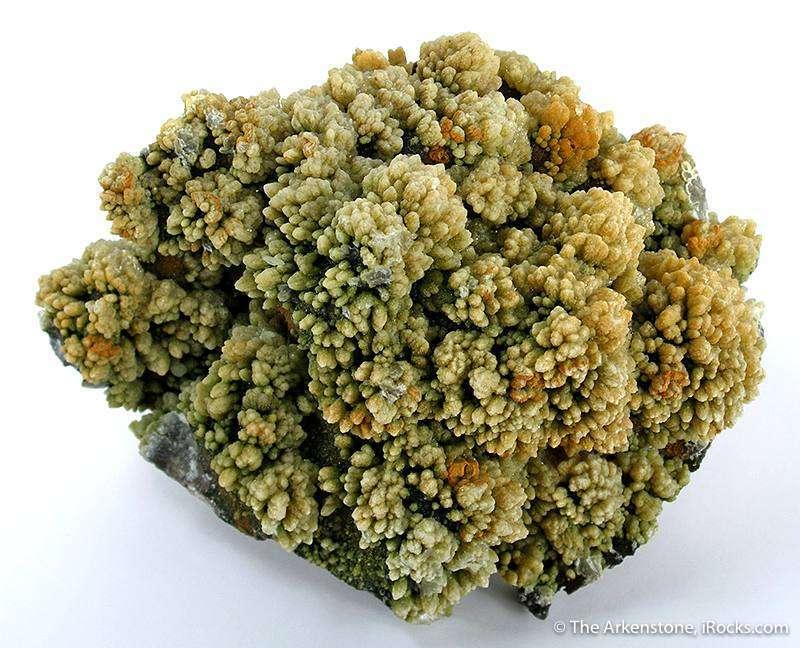 Covering matrix heavy reddish brown cuprite rosettes yellow green