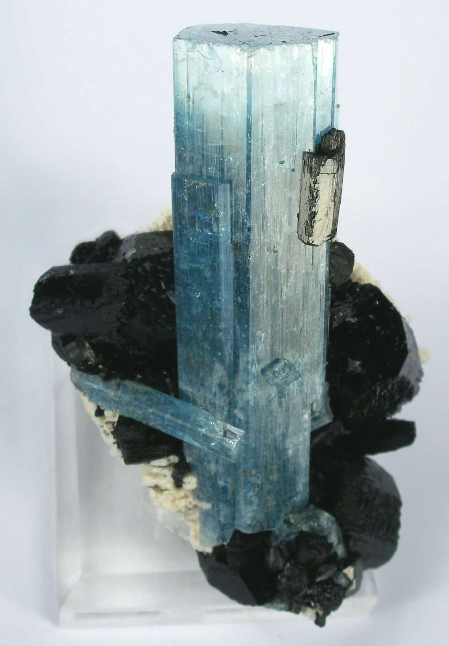 A dramatic 7 x 2 2 x 2 cm aquamarine looks like leap trimmed matrix