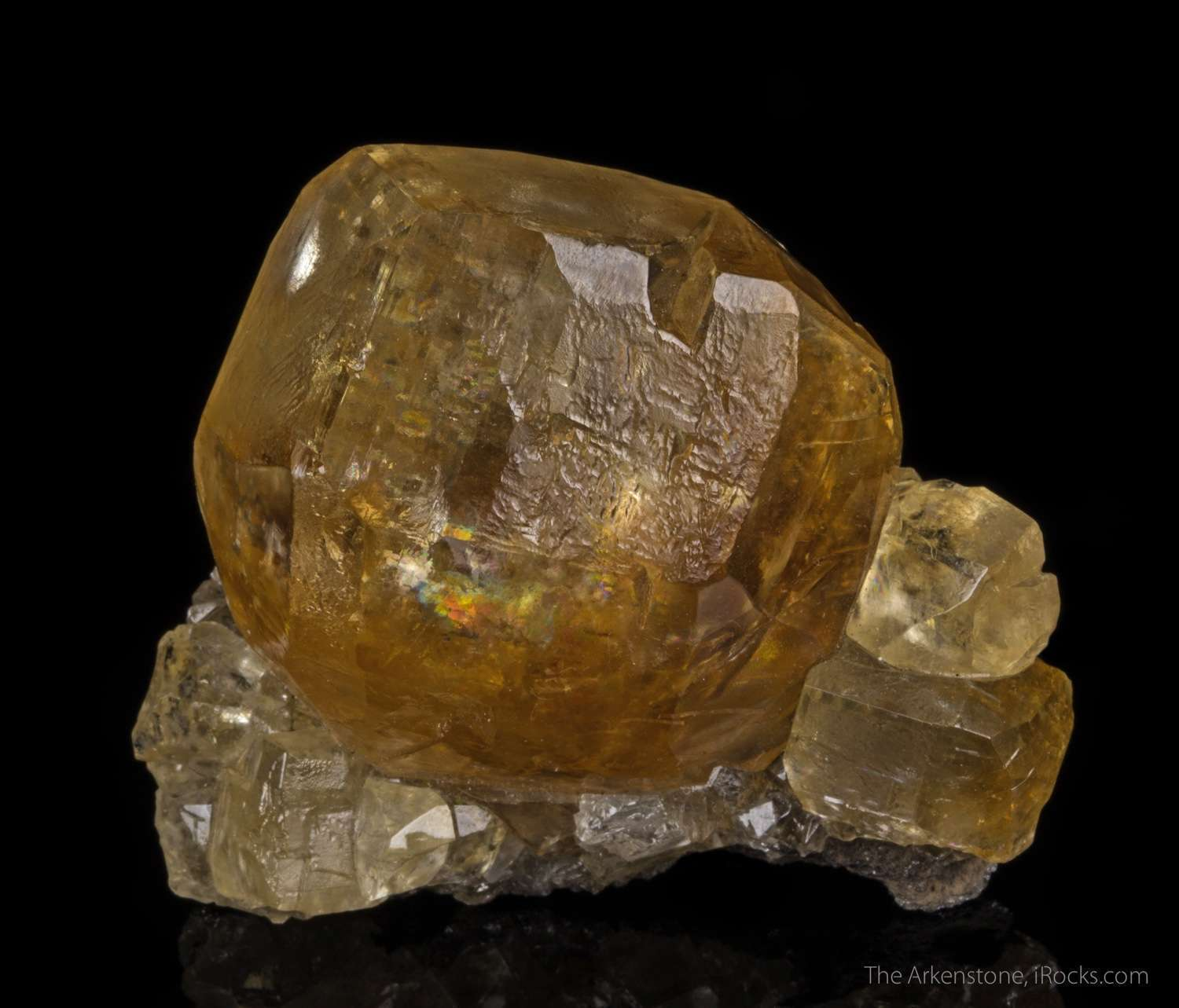 Vernon famous golden Calcites disappoint The main crystal 4 cm