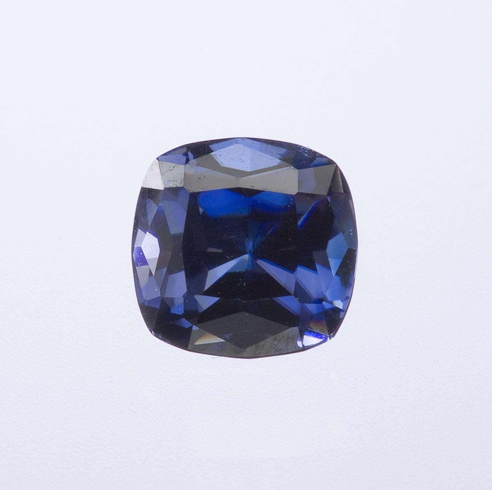 Imagine color quality sapphire combined dispersion diamond That s