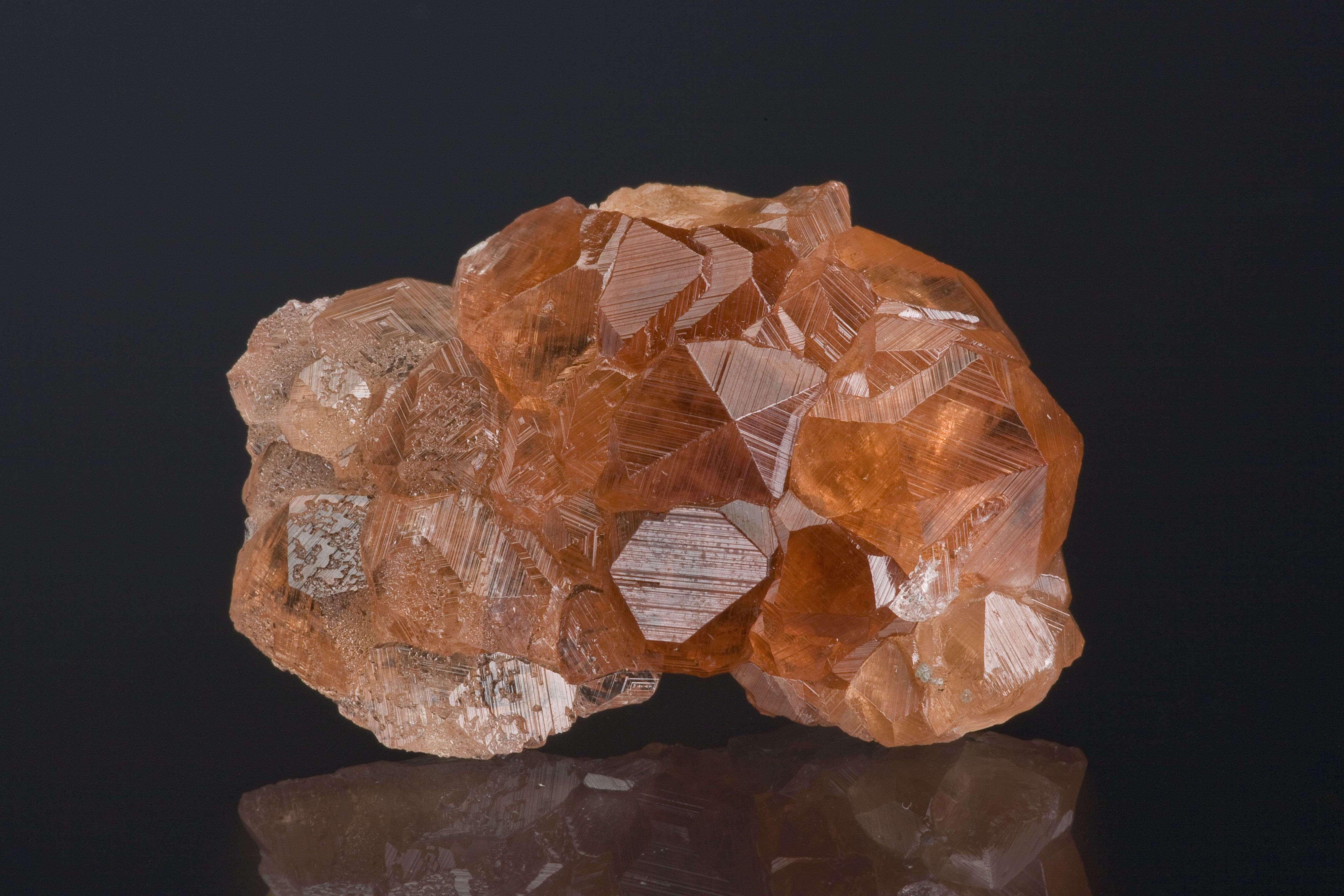A totally gemmy 3 dimensional 1 6 cm garnet crystal crowns beautiful