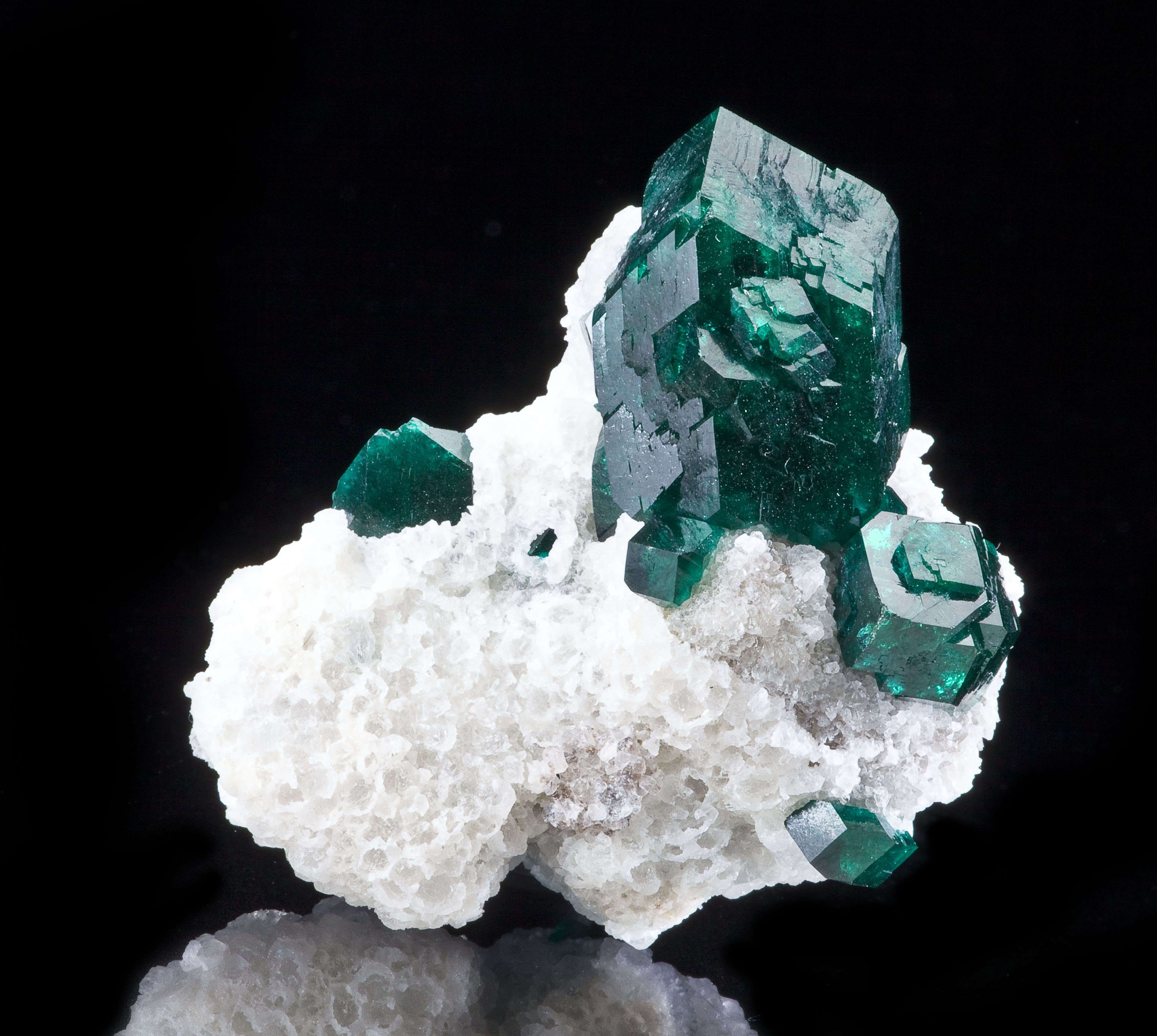 A ONE INCH dioptase crystal fat dramatic crowns specimen The crystal