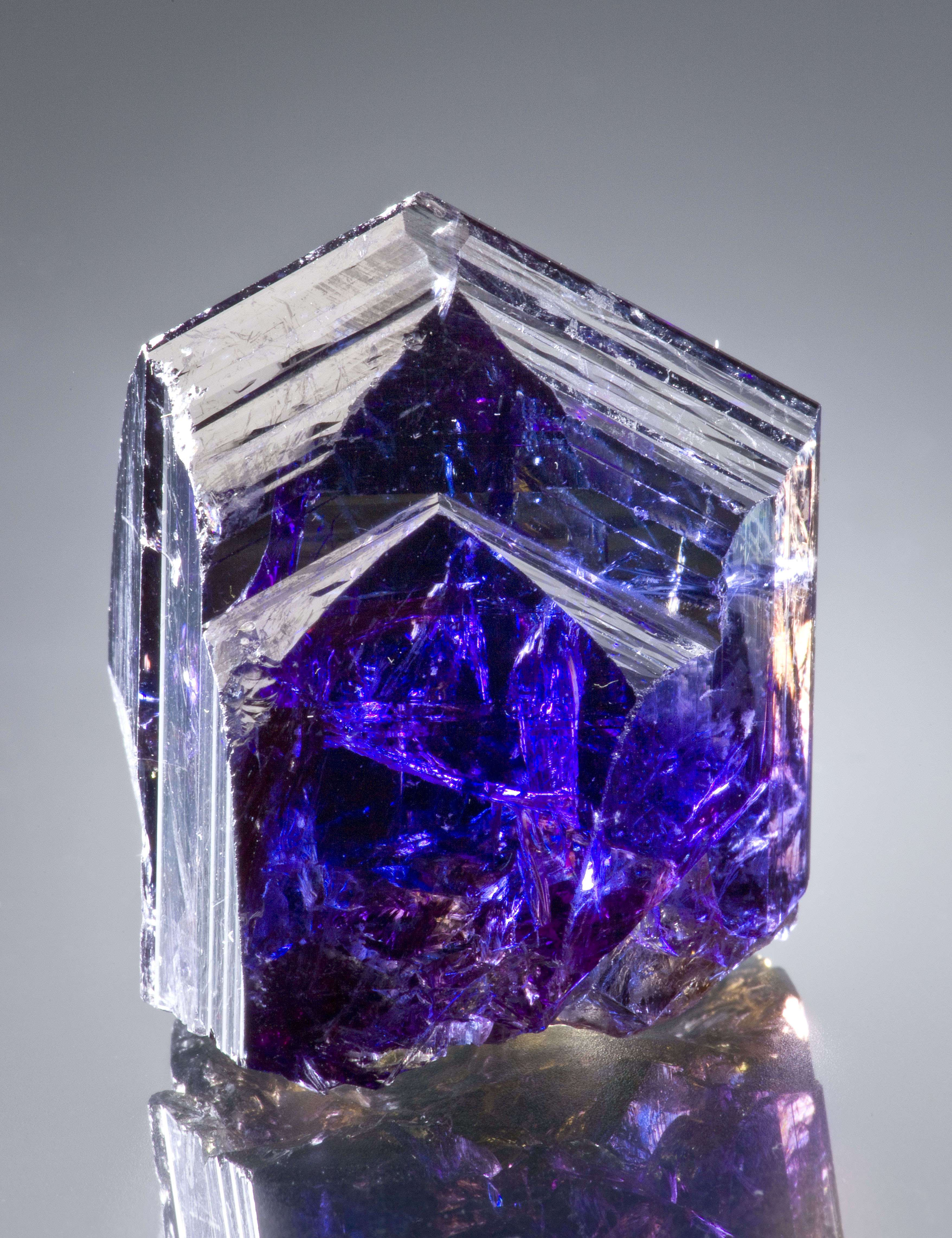 Few tanzanites mixing colors crystal does By I refer fact natural