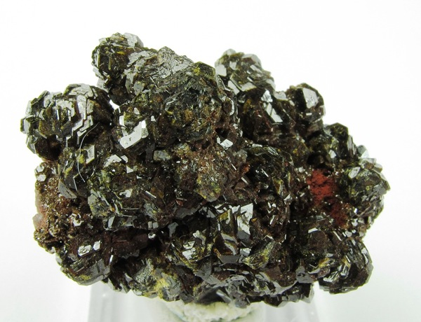 Dozens highly lustrous crystal aggregates compose bulk classic