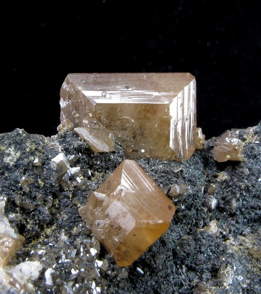 Wulfenite specimens Tsumeb rare These sharp isolated crystals measure