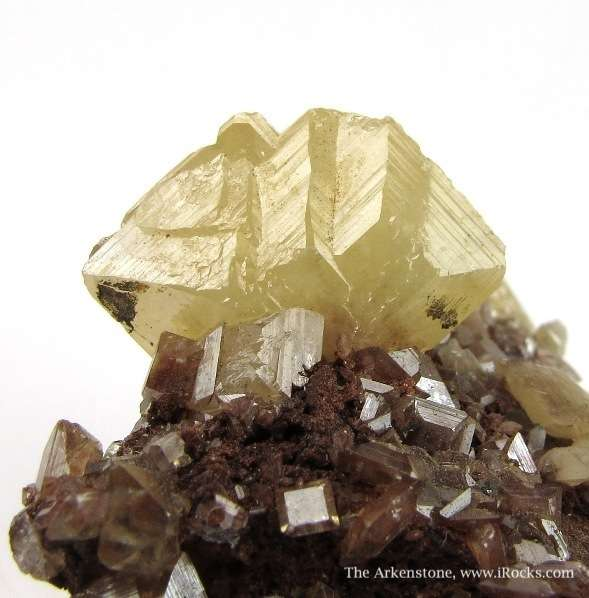 Sharp highly lustrous Wulfenite crystals matrix light lemon color