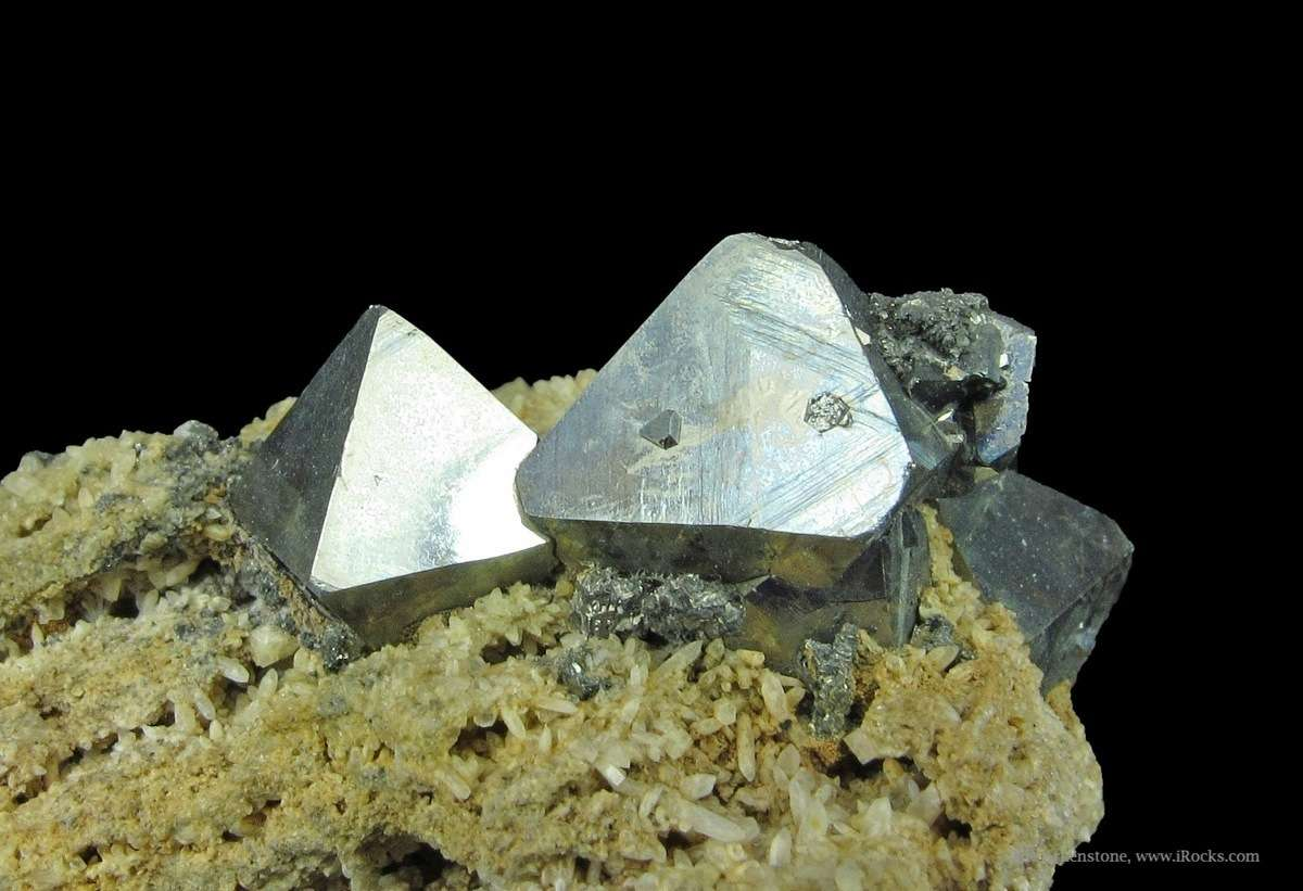Choice set sharp lustrous octahedra think Great Pyramids Pyrite Elba