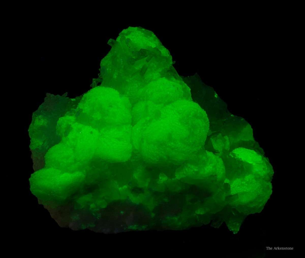 This special pocket intensely sparkling daiquiri colored adamite