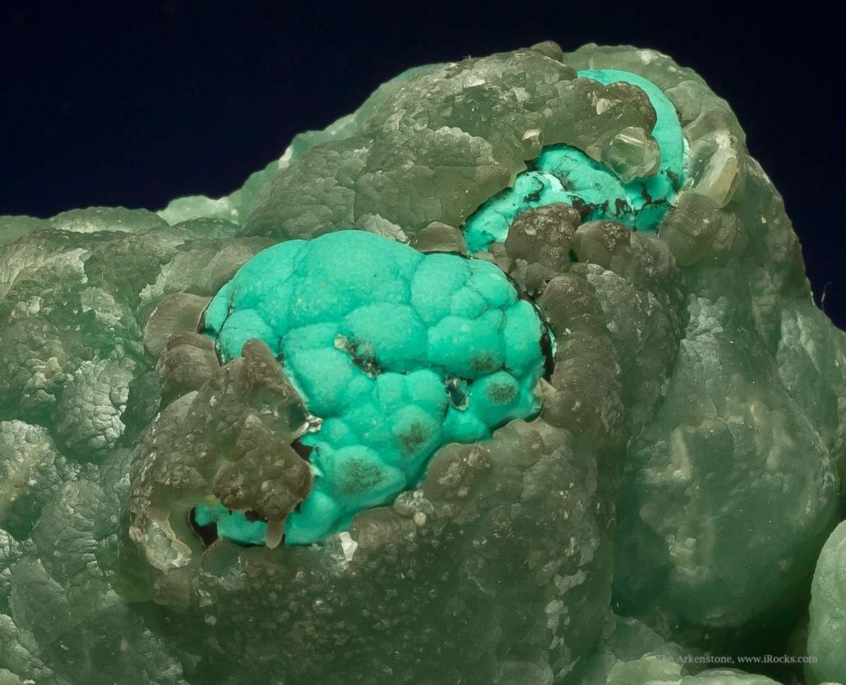 I seen large smithsonite color Touissit let Rosasite included Usually