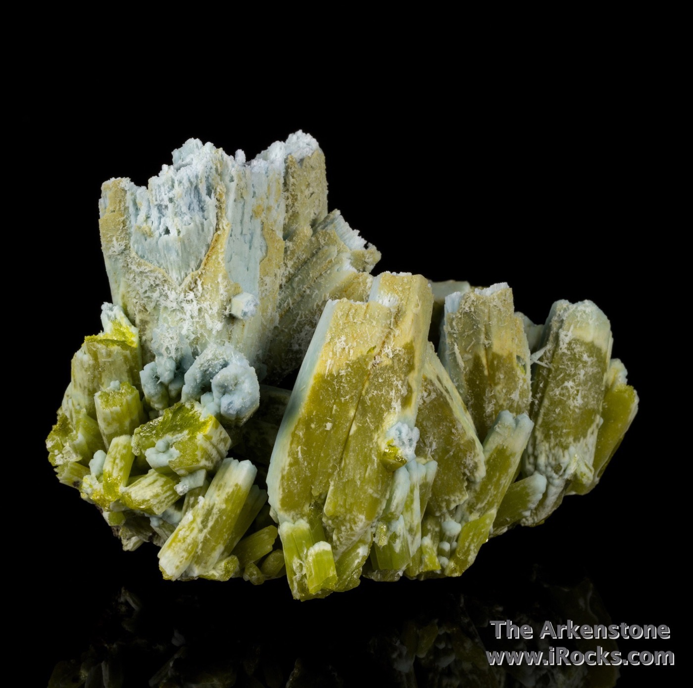 This specimen largest robust crystals 5 5 cm size The pyromorphite