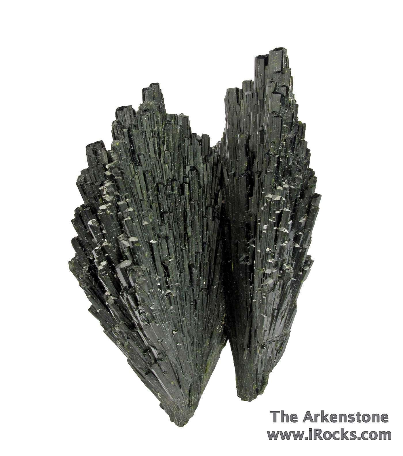 An elegant piece small cab consists attached sprays deep green Epidote