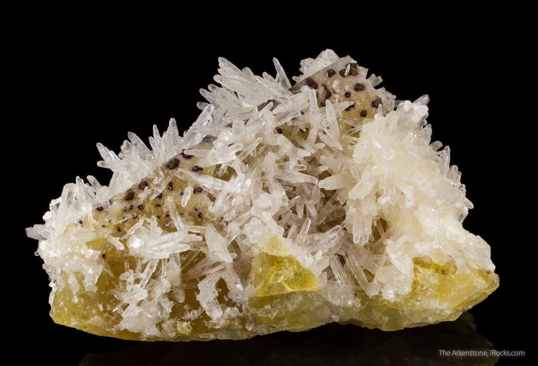 Acicular scalenohedrons lustrous translucent colorless calcite 1 5 cm