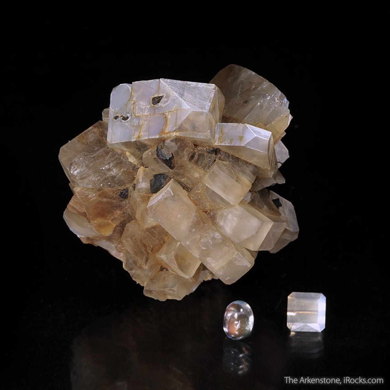 4 3 x 4 1 x 3 7 cm Specimen 2 11 carats 7 50 x 7 31 mm Faceted 1 35