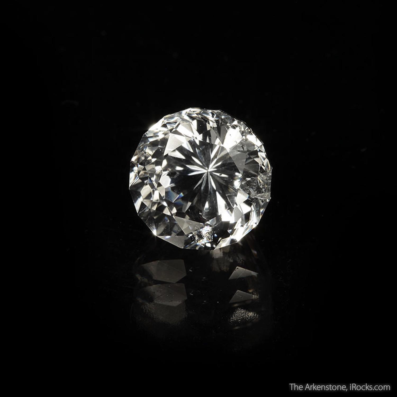 7 0 x 4 2 x 2 3 cm Specimen 8 58 carats 13 02 mm Gem A gorgeous