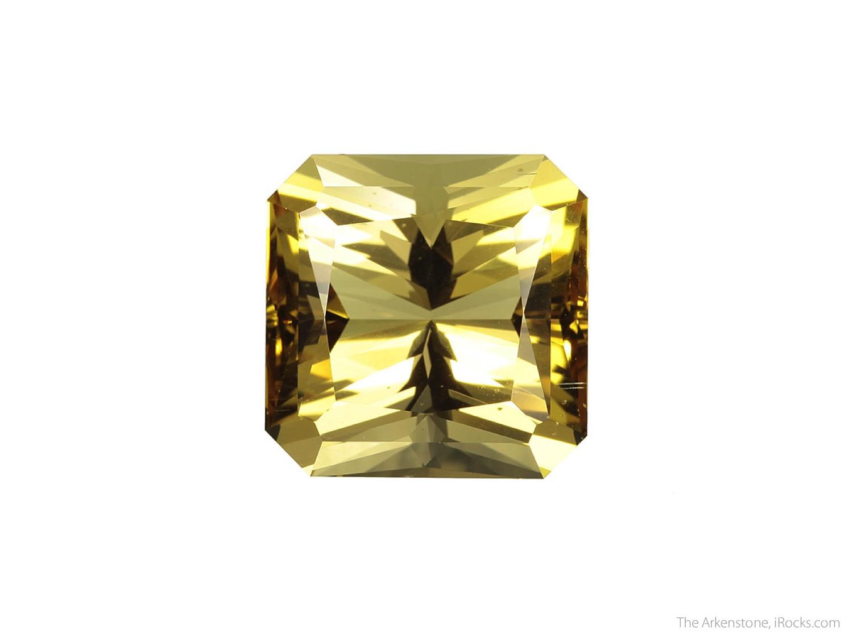 3 3 x 1 4 x 1 2 cm Specimen 49 35 carats 21 83 mm x 21 67 mm Gem A