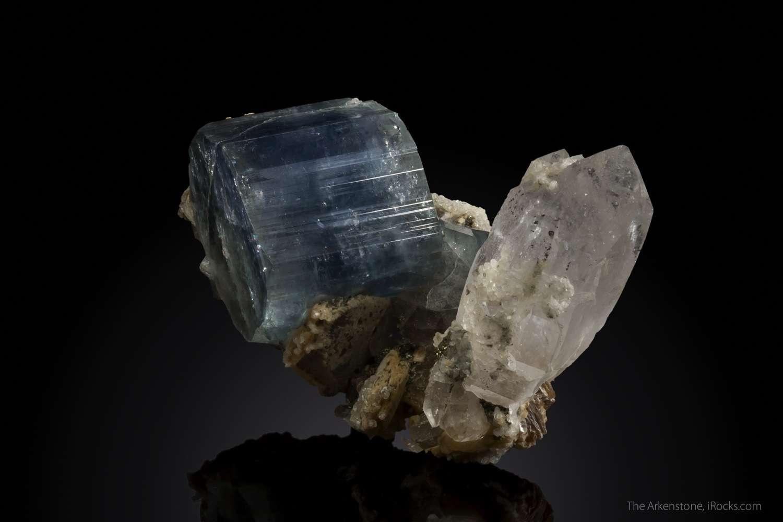 Blue purple apatite large size balanced quartz crystal make important