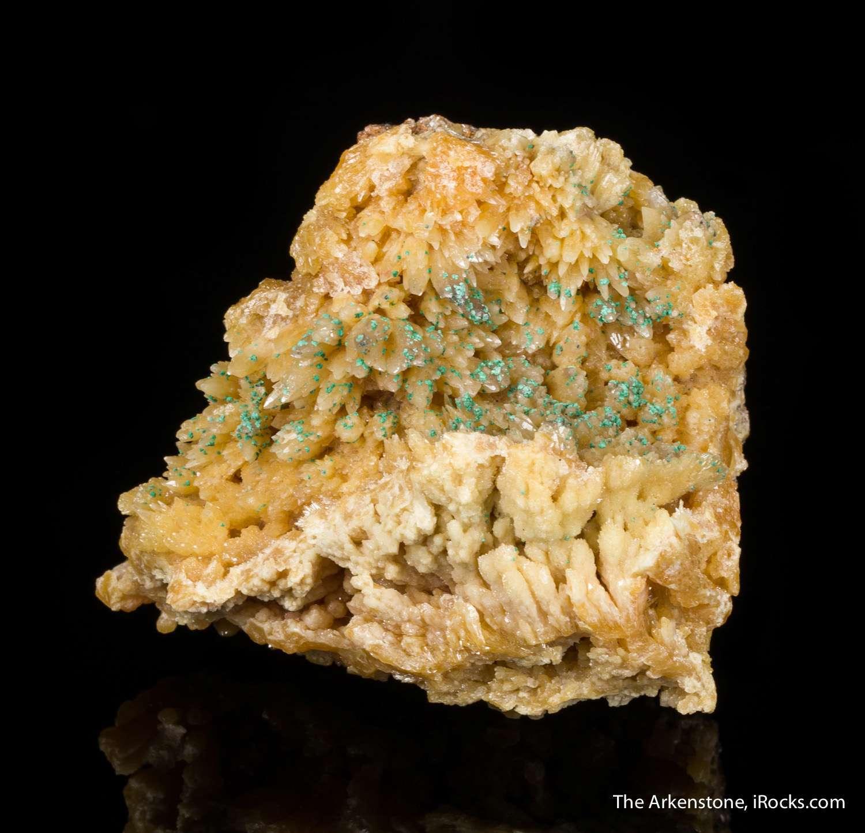 An unusual specimen association I simply seen tiny specks copper