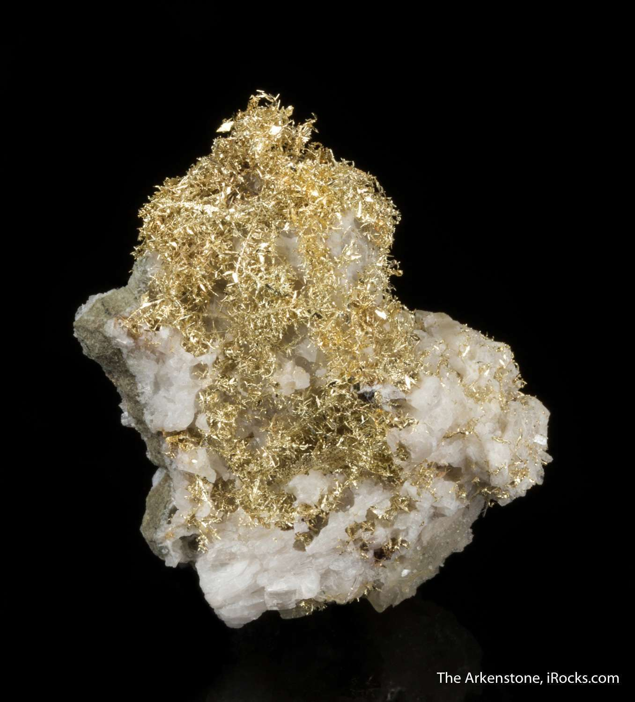 A hefty half ounce specimen intergrown wire gold quartz matrix classic