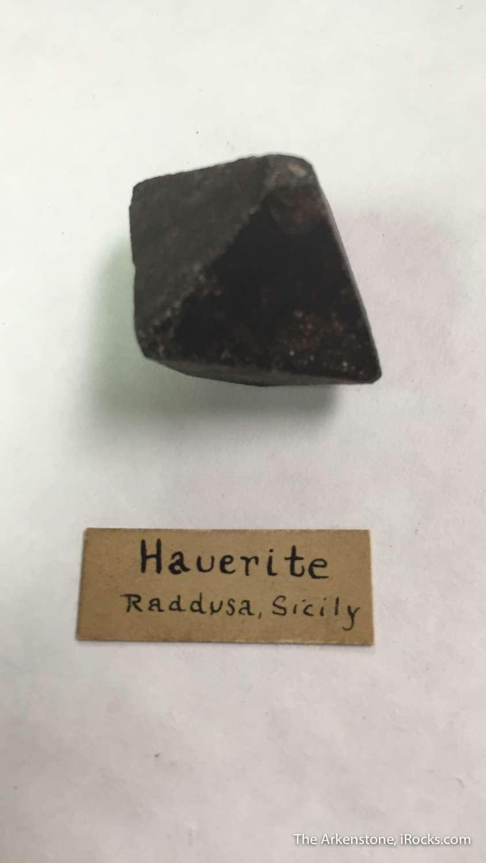 Hauerite rare manganese sulfide crystallizes cubic producing superb