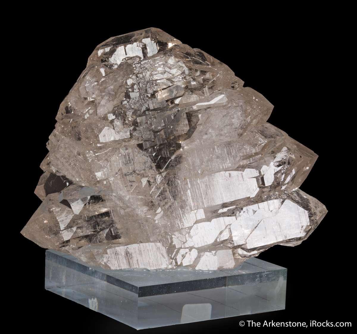 A sparkling water clear gem quartz showing dramatic Gwindel twisted