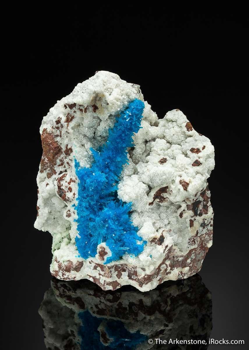 Pentagonite rare cousin cavansite technically dimorph means chemistry