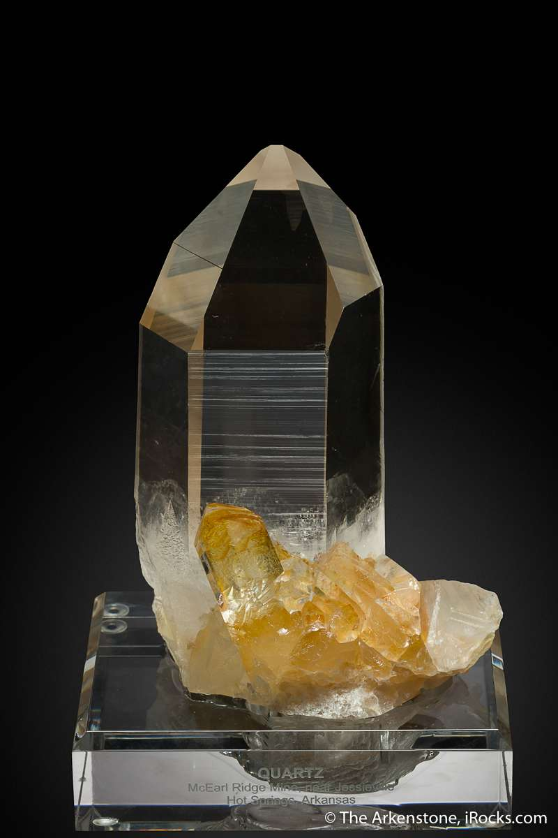 This quite simply stunningly sharp gemmy quartzes I seen come Arkansas